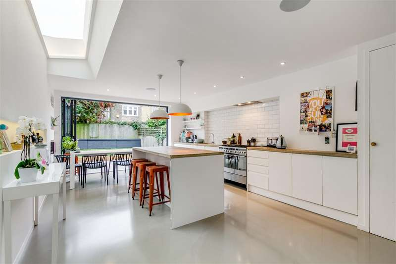 4 Bedrooms Terraced House for sale in Jeddo Road, London W12