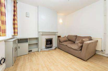 2 Bedrooms Terraced House for sale in Tavistock Street, Luton, Bedfordshire, England