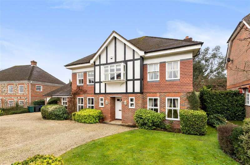 5 Bedrooms Detached House for sale in Althorp Close, Arkley