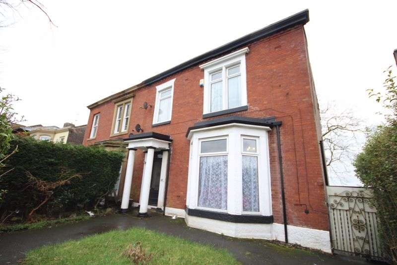 5 Bedrooms Property for sale in MANCHESTER ROAD, Rochdale OL11 4JQ