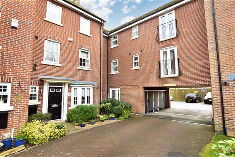 2 Bedrooms Flat for sale in Pickering Grange, Brough, East Riding Of Yorkshire