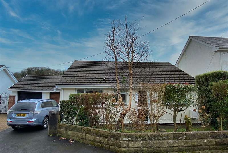 3 Bedrooms Detached Bungalow for sale in Buzzacott Lane, Combe Martin, Ilfracombe
