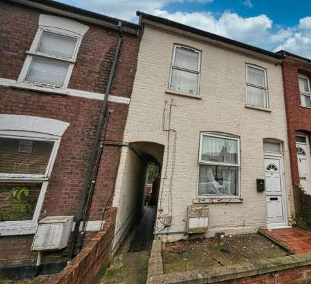 Terraced House for sale in Milton Road, Luton, Bedfordshire, LU1 5JB