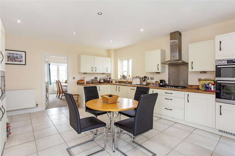 4 Bedrooms Detached House for sale in Saturn Way, Stratford-upon-Avon, CV37