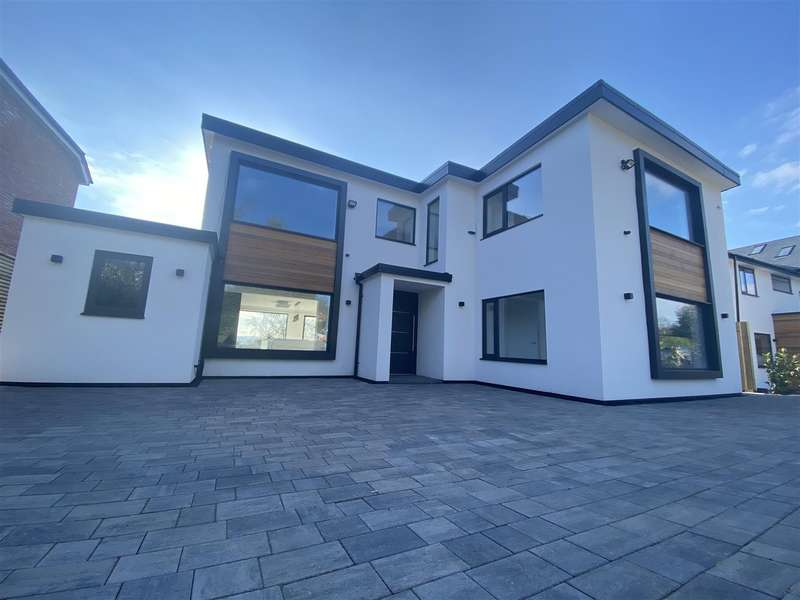 4 Bedrooms Detached House for sale in Rectory Lane, Lower Heswall