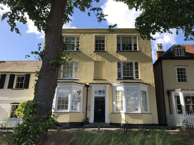 1 Bedroom Property for sale in Mulberry Green, Harlow