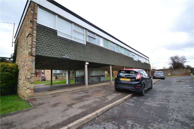 2 Bedrooms Apartment Flat for sale in Clare Court, St. Ives, Cambridgeshire