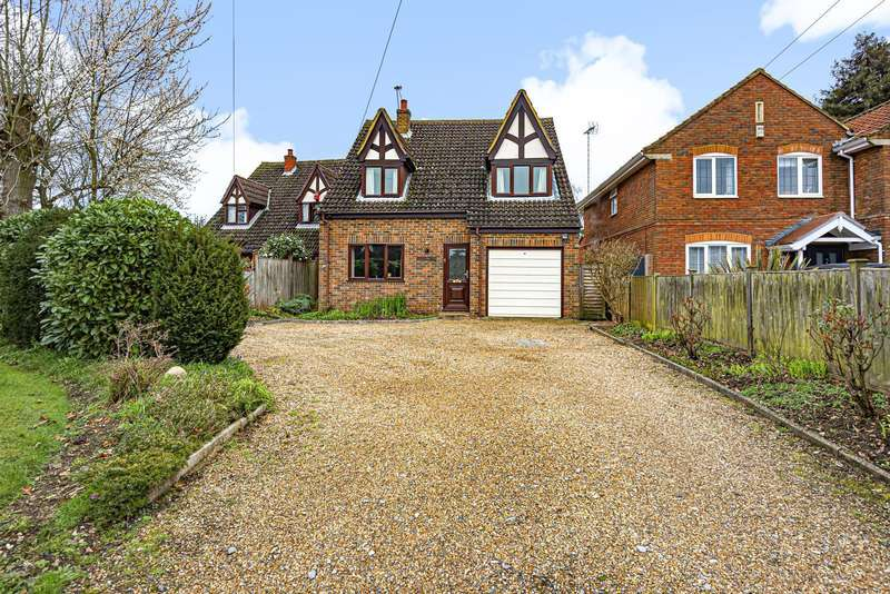 3 Bedrooms Detached House for sale in Rosemary Lane, Egham, TW20