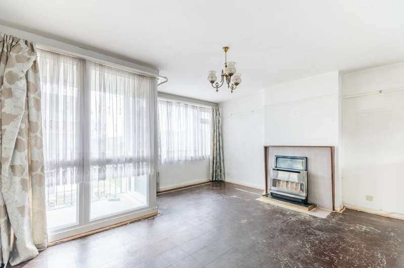 3 Bedrooms Maisonette Flat for sale in Aintree Estate, Fulham, SW6
