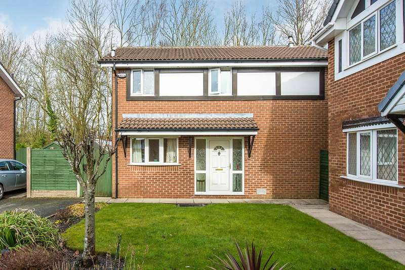 3 Bedrooms Detached House for sale in Summertrees Avenue, Lea, Preston, Lancashire, PR2