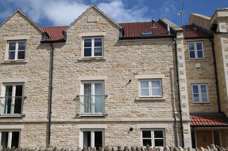 2 Bedrooms Apartment Flat for sale in Station Approach, Bradford-on-Avon, BA15