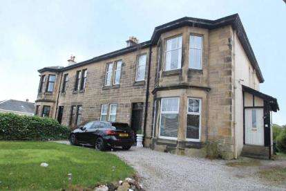 3 Bedrooms Flat for sale in Potterhill Avenue, Paisley