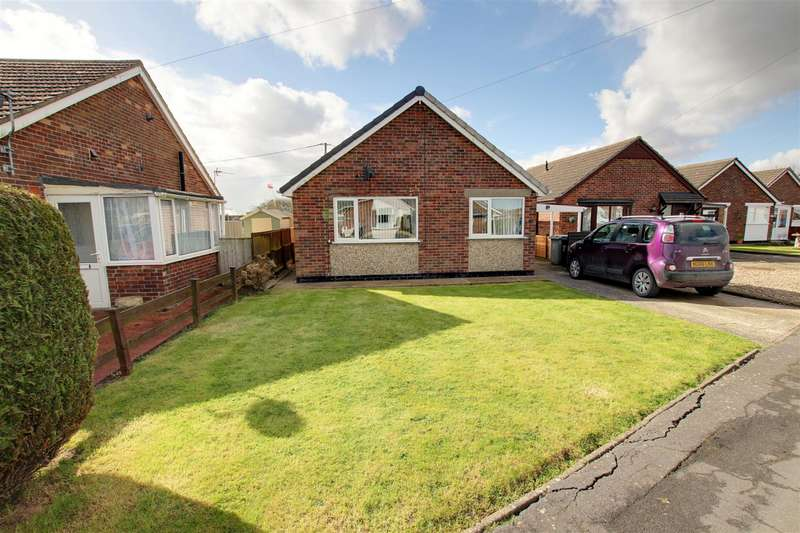 2 Bedrooms Detached Bungalow for sale in The Fairway, Mablethorpe