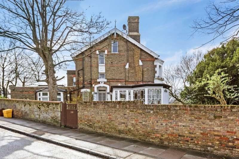 1 Bedroom Flat for sale in Cheviot Lodge, Eglinton Hill, London, SE18