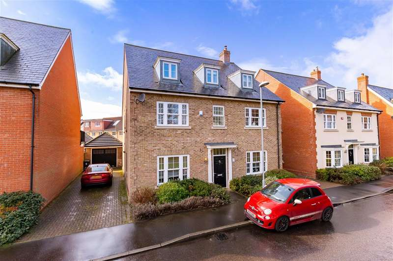 6 Bedrooms Detached House for sale in Boleyn Row, Epping