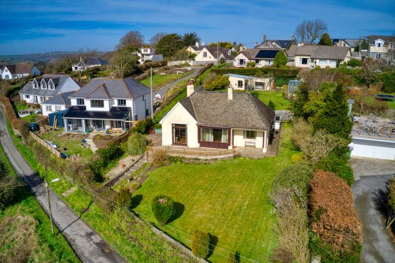3 Bedrooms Bungalow for sale in South Drive, Torrington