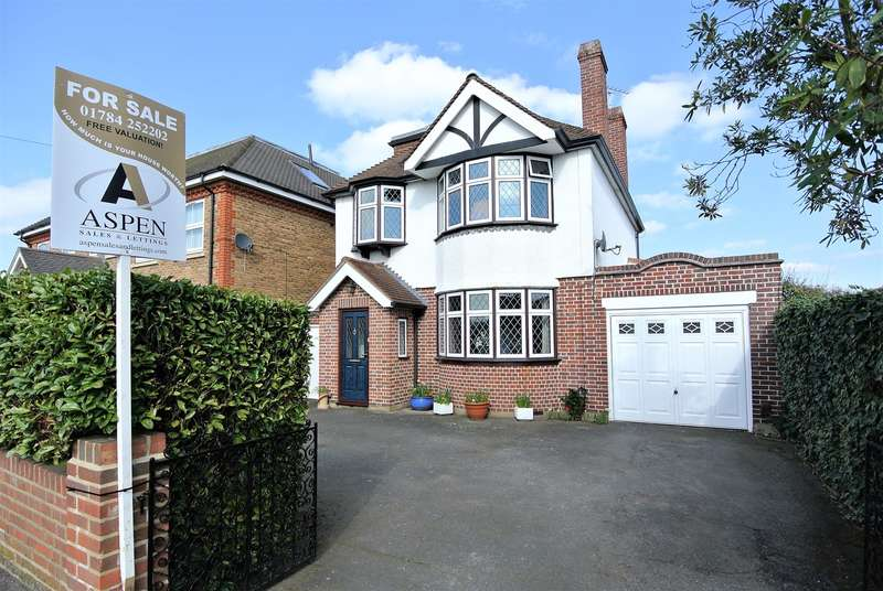 4 Bedrooms Detached House for sale in Stanwell Road, Ashford, TW15