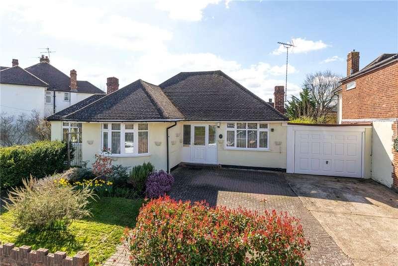 3 Bedrooms Detached Bungalow for sale in Croysdale Avenue, Sunbury-on-Thames, TW16