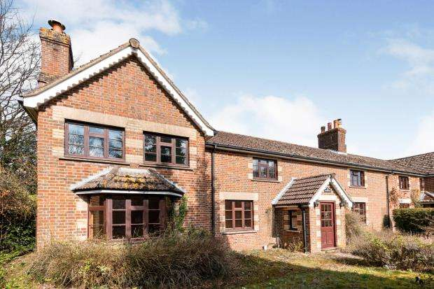 5 Bedrooms Semi Detached House for sale in Dummer, Basingstoke, Hampshire