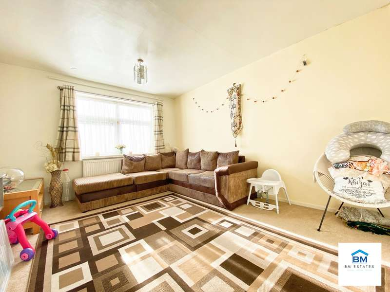 1 Bedroom Flat for sale in Morton Walk, Leicester, LE5