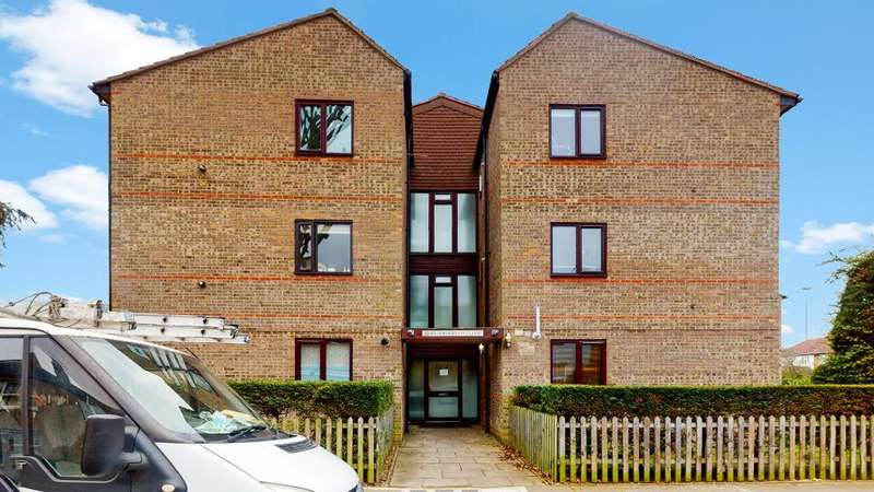 1 Bedroom Flat for sale in Jefferson Close, Ealing, London, W13 9XJ