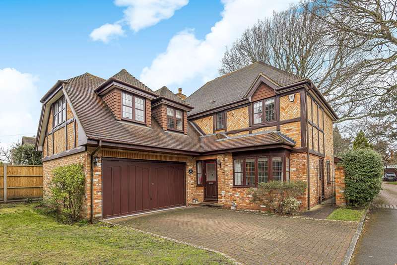 5 Bedrooms Detached House for rent in The Grange, Midway, Walton On Thames, KT12