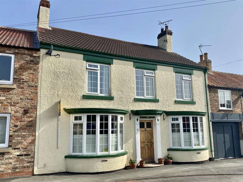 4 Bedrooms Town House for sale in Long Street, Thirsk