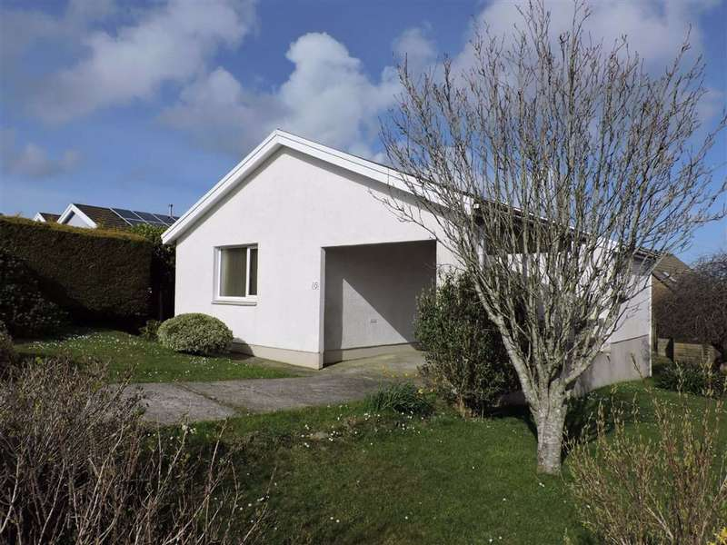 3 Bedrooms Detached Bungalow for sale in Clos Y Bigney, Fishguard