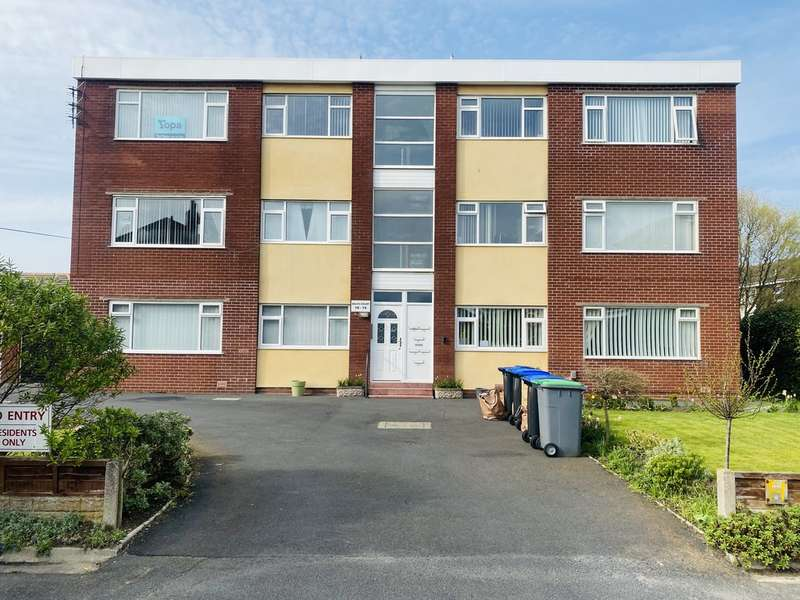 2 Bedrooms Flat for sale in Dales Court, South Shore FY4