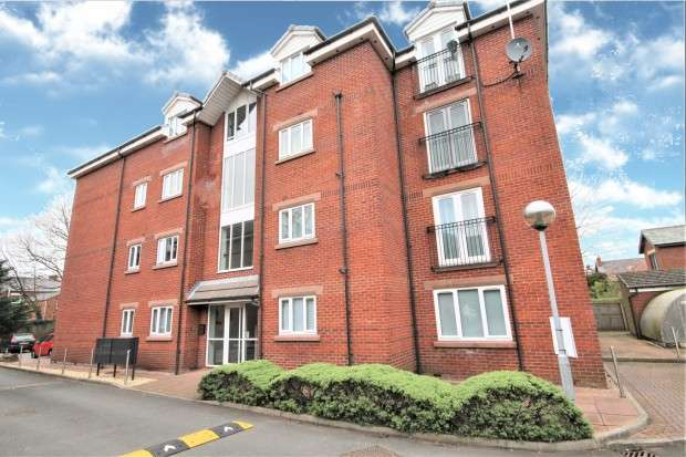 2 Bedrooms Apartment Flat for sale in Wove Court, Garstang Road, Preston, PR1