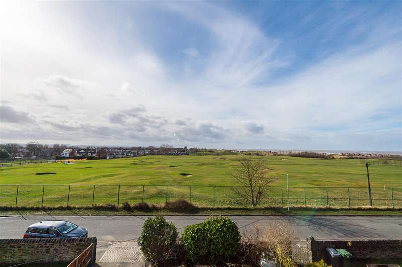 6 Bedrooms Detached House for sale in Sea Road