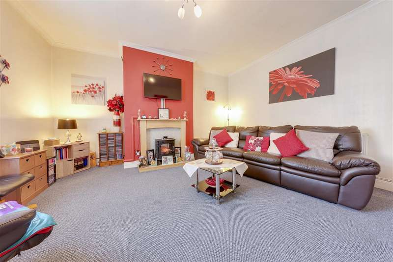 2 Bedrooms Terraced House for sale in Newchurch Road, Stacksteads, Bacup, Rossendale
