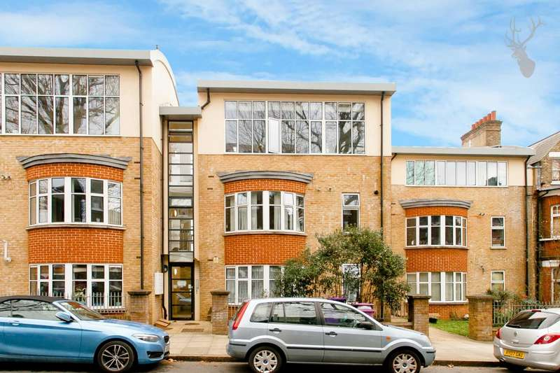 3 Bedrooms Penthouse Flat for sale in Mornington Grove, London