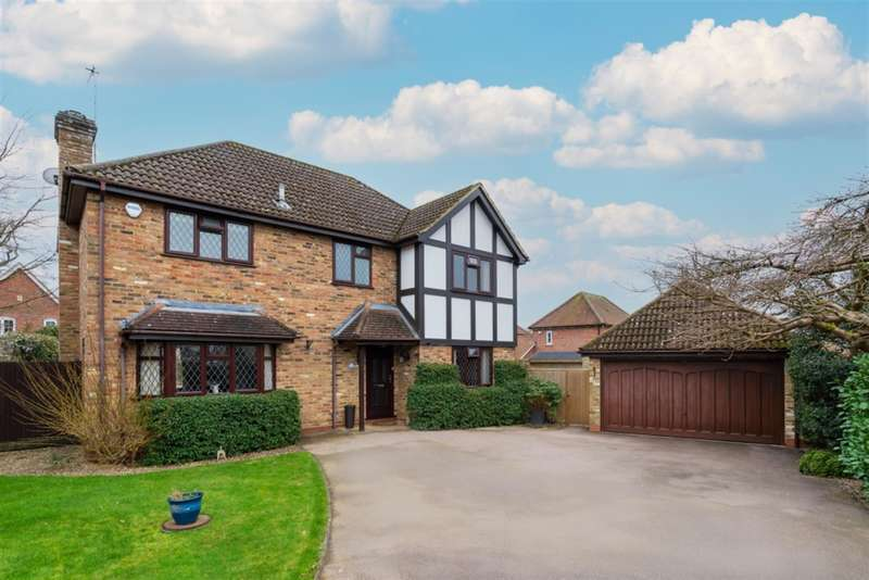 4 Bedrooms Detached House for sale in Winchester Close, Amersham, Buckinghamshire, HP7 9HT