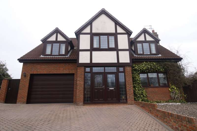 4 Bedrooms Detached House for sale in Meadow Grange, Houghton Le Spring, County Durham, DH4