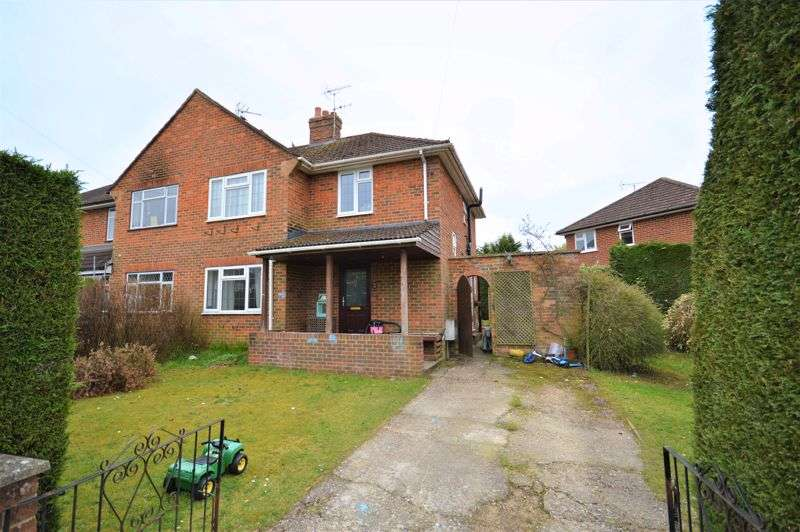 3 Bedrooms Property for sale in No onward chain - Gunns Farm, Liphook