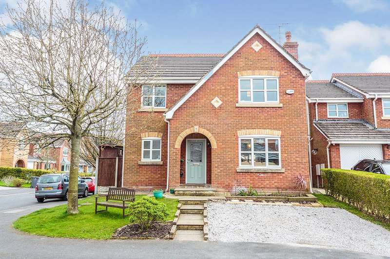 4 Bedrooms Detached House for sale in Lark Close, Blackpool, Lancashire, FY3