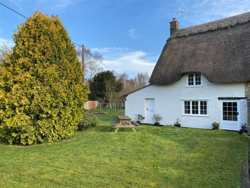 2 Bedrooms Semi Detached House for sale in Theobald's Green, Calstone