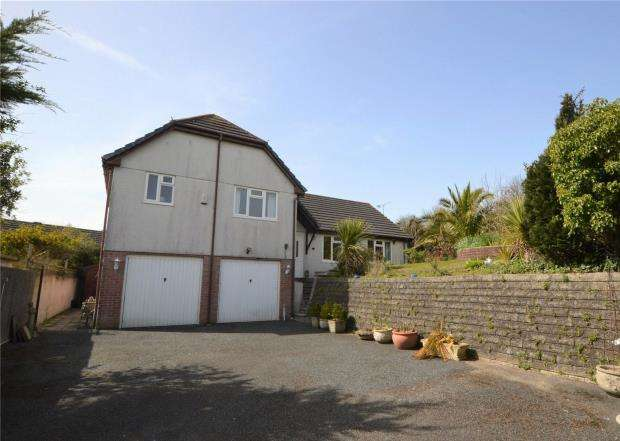 4 Bedrooms Detached House for sale in Forth An Tewennow, Phillack, Hayle, Cornwall