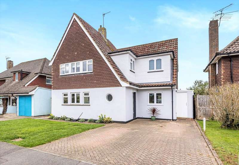 4 Bedrooms Detached House for sale in Maplehatch Close, Godalming, GU7