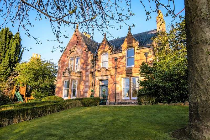6 Bedrooms Detached House for sale in Viewmount House, 8 Canonbury Terrace, Fortrose, IV10 8TT
