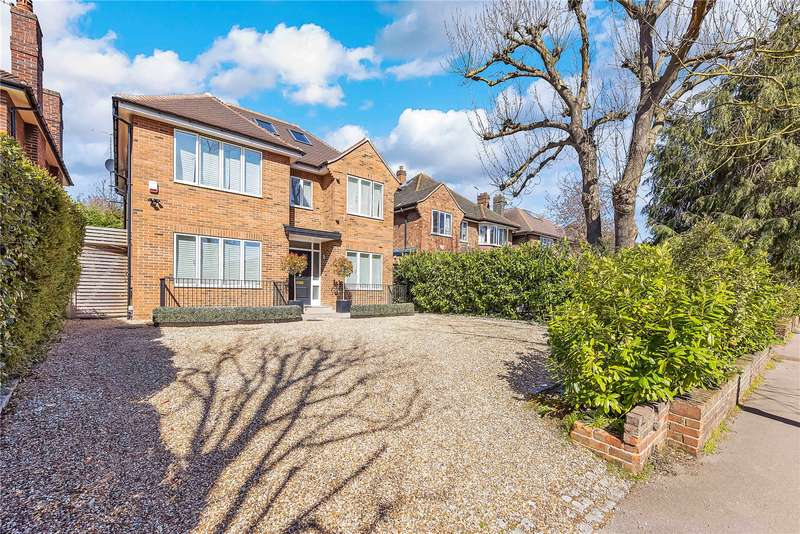 5 Bedrooms Detached House for sale in Manor Way, London, SE3
