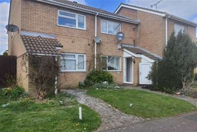 2 Bedrooms Terraced House for rent in Repton Close Luton LU3 3UP