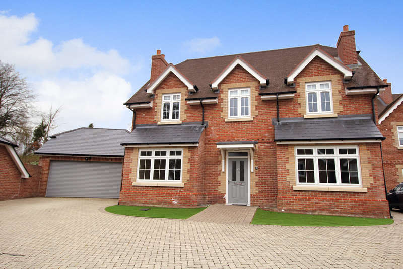 5 Bedrooms Detached House for sale in Lymington Bottom, FOUR MARKS, Hampshire