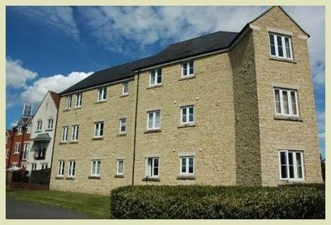 2 Bedrooms Ground Flat for sale in Gillingham, Dorset, SP8