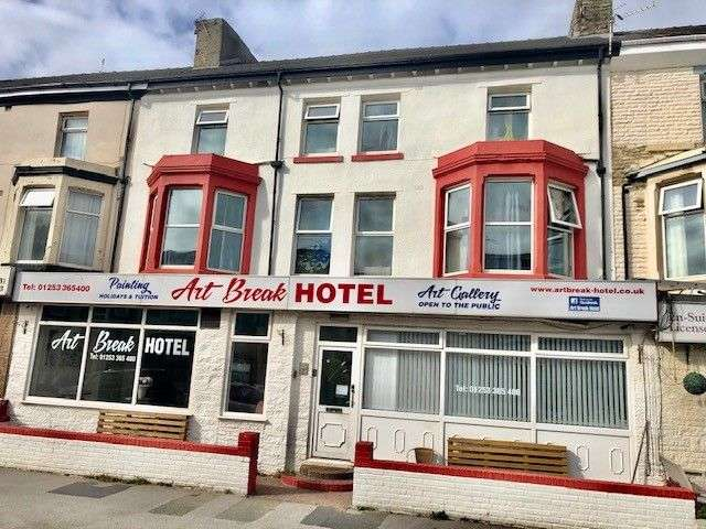 21 Bedrooms Hotel Gust House for sale in Art Break Hotel 14-16 Woodfield Road, Blackpool, FY1