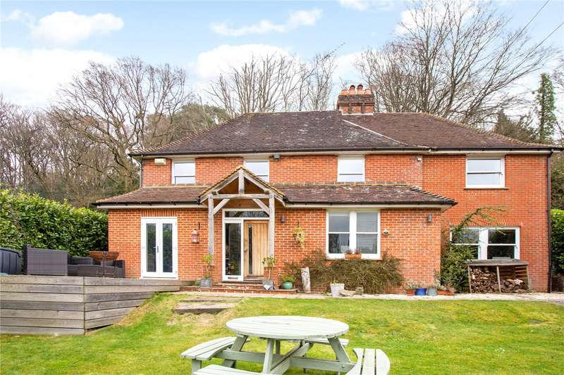 5 Bedrooms Detached House for sale in Hindhead Road, Haslemere, Surrey, GU27