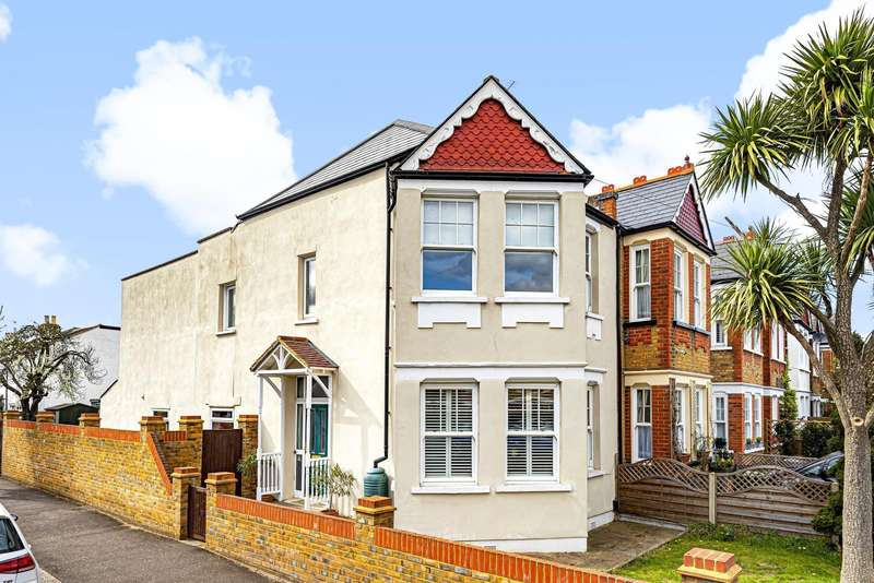 3 Bedrooms End Of Terrace House for sale in Church Road, Teddington, TW11