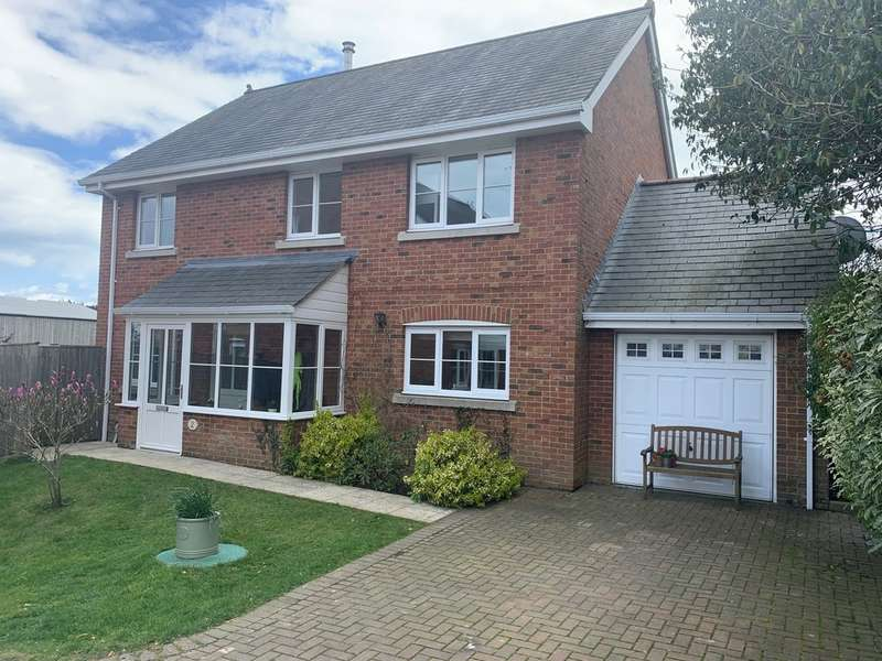 4 Bedrooms Detached House for sale in Main Road, Rookley