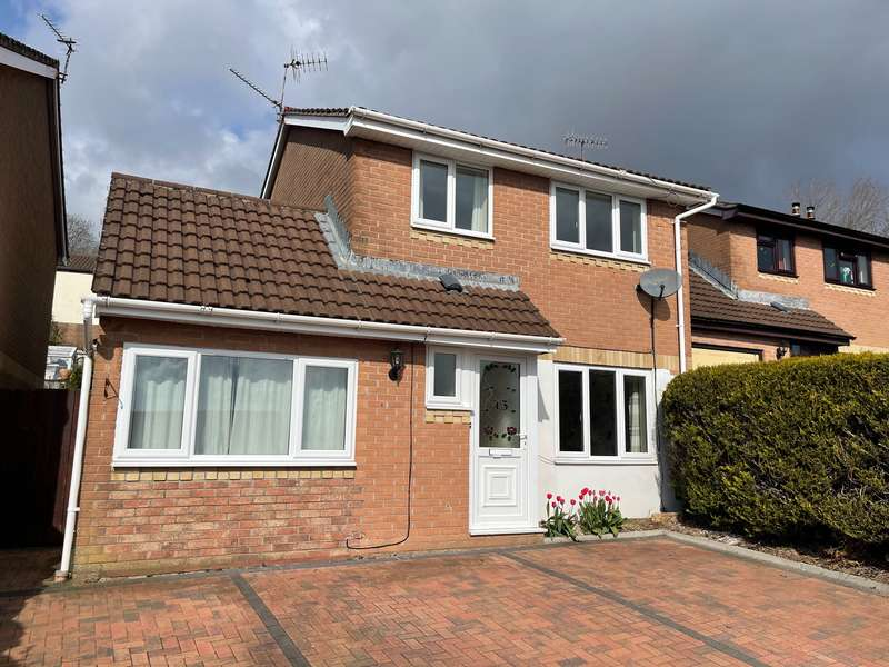 3 Bedrooms Detached House for sale in Oaklands View, Greenmeadow, Cwmbran